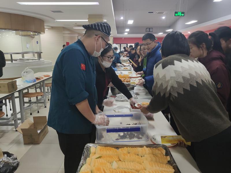 校园美食节来袭 Campus Food Festival