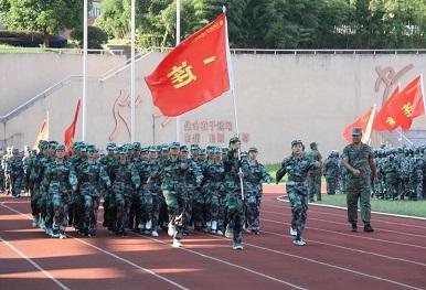 2020夏 海初七年级新生军训视频
