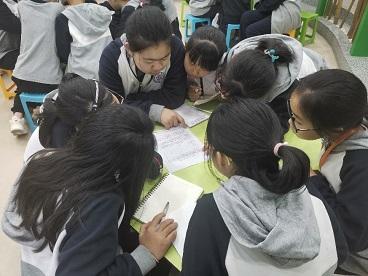 助人助己 相伴成长——海亮小学开展心理委员培训活动
