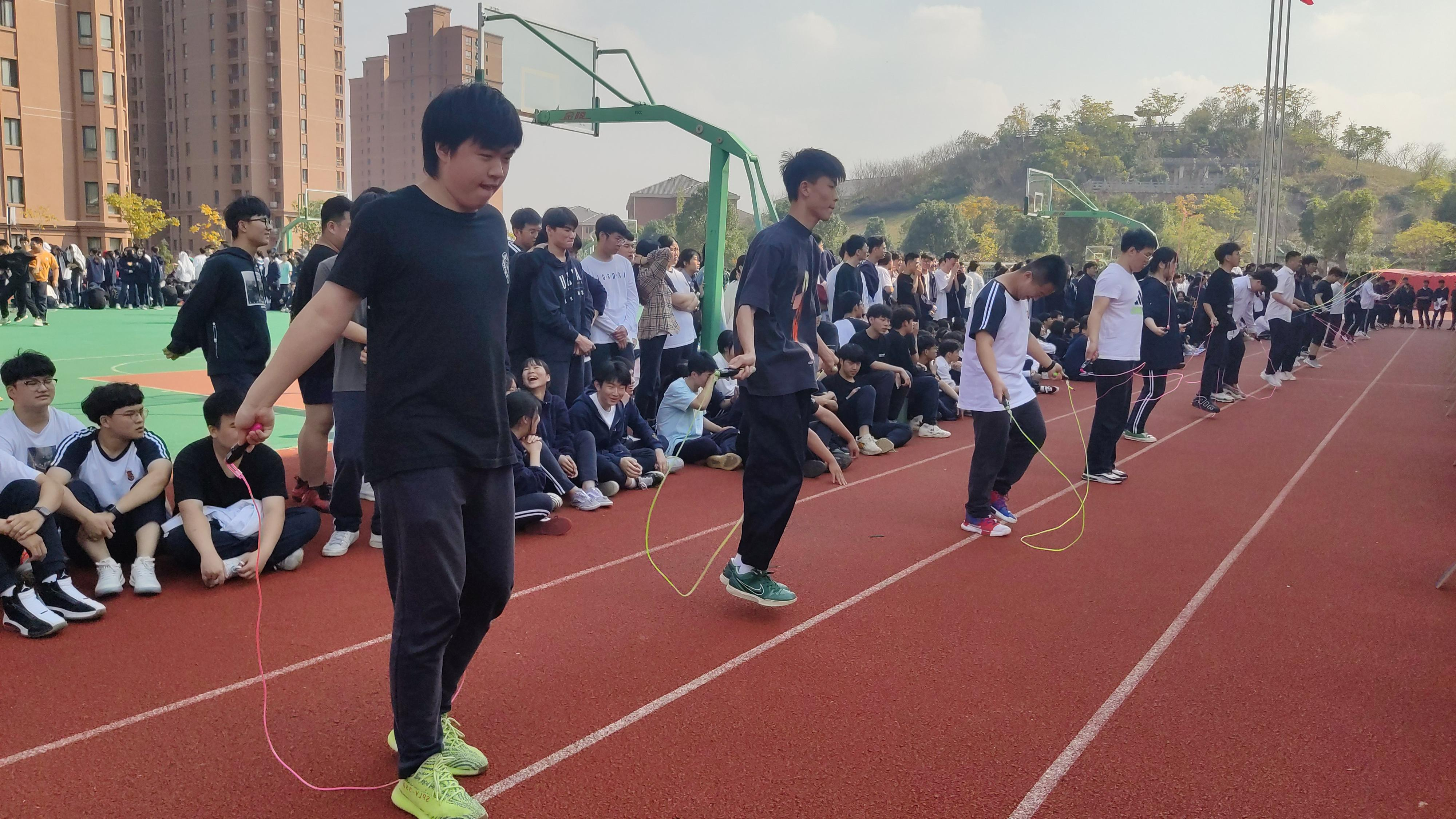 """舞动青春,""""绳""""采飞扬——海亮外语中学跳绳比赛"""