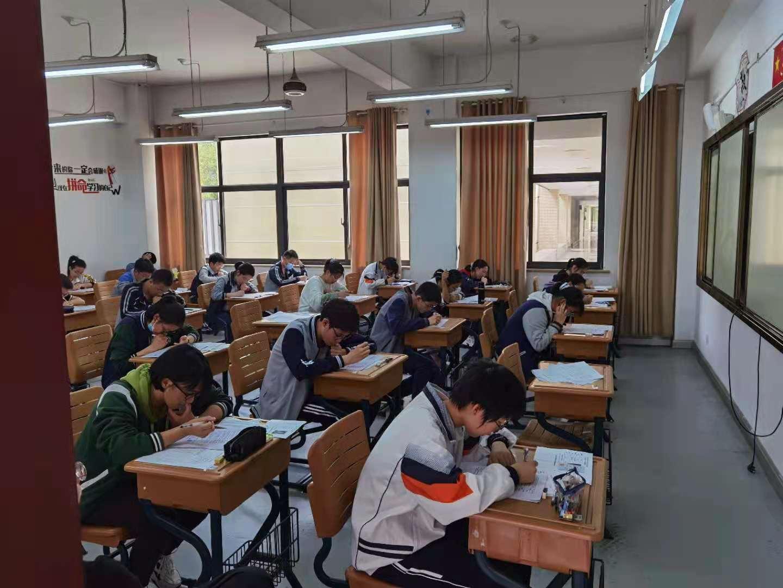 全国中学生生物学联赛浙江赛区初赛在我校举行
