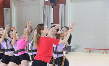 天马初中:舞蹈训练